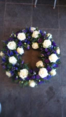 Wreath 16