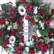 12 inch Wreath Red and White
